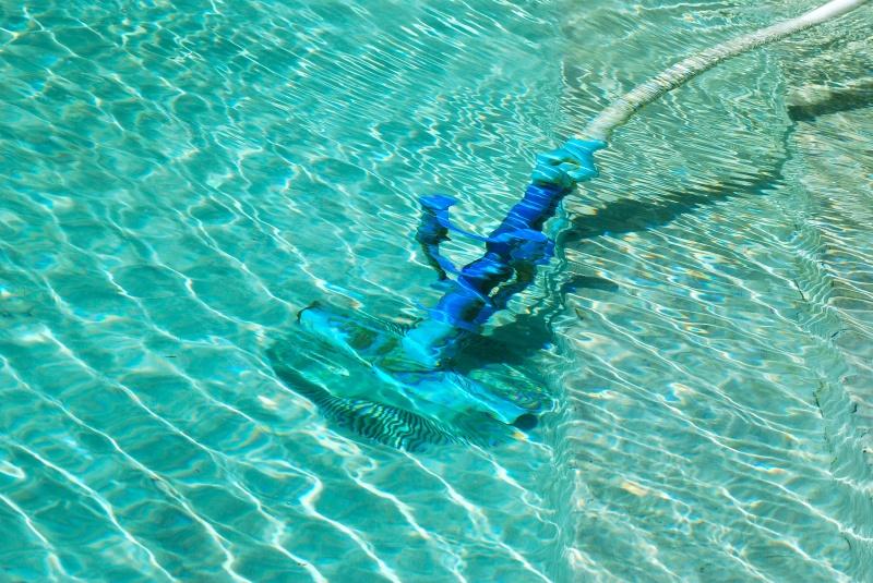 zwembad onderhouden en reinigen hoe