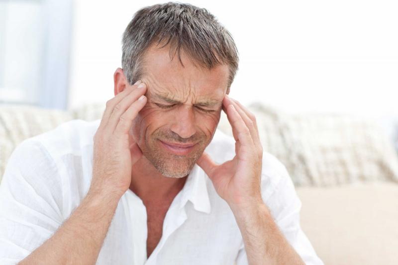 pijn achter oog en hoofdpijn